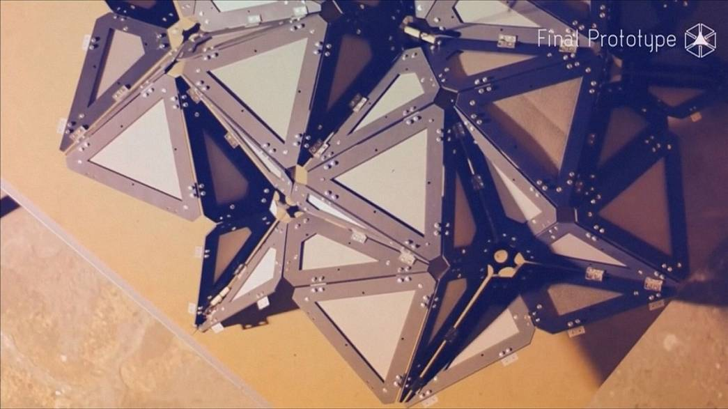 Origami ház és felfújható inkubátor