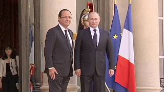 فرانسه تحویل کشتی جنگی به روسیه را به حالت تعلیق درآورد
