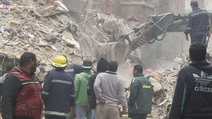 Mısır'da 8 katlı bina çöktü