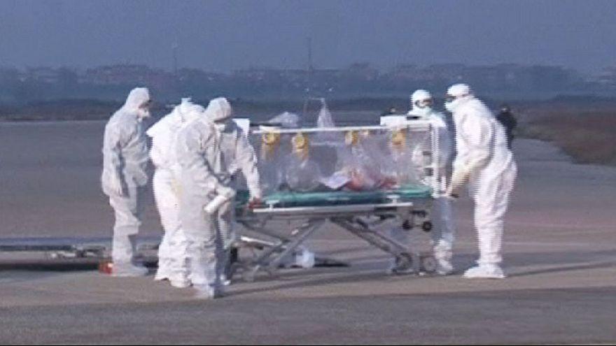 انتقال پزشک ایتالیایی مبتلا به ابولا به کشورش