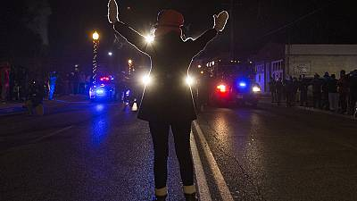 Ferguson afronta otra noche de tensión