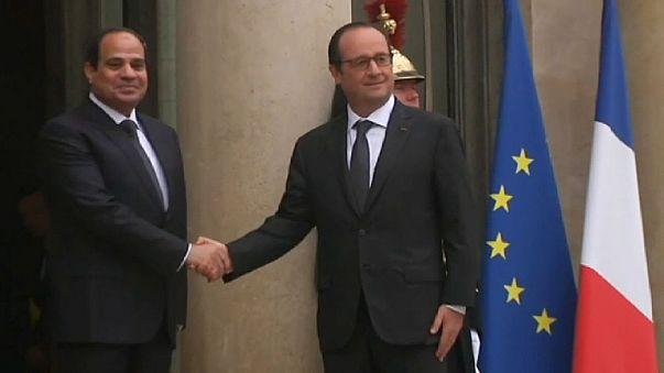 """A """"operação de charme"""" do presidente egípcio em Roma e Paris"""