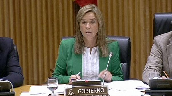 Spain Health Minister Ana Mato quits over 'benefits' from kickback scheme