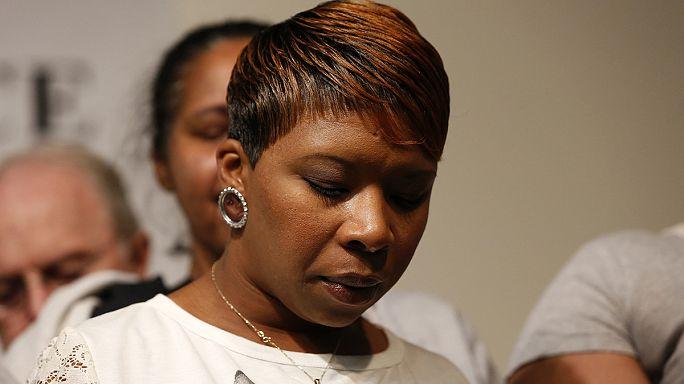 """أسرة مايكل براون تعتبر حكم هيئة المحلفين """"غير عادل"""""""