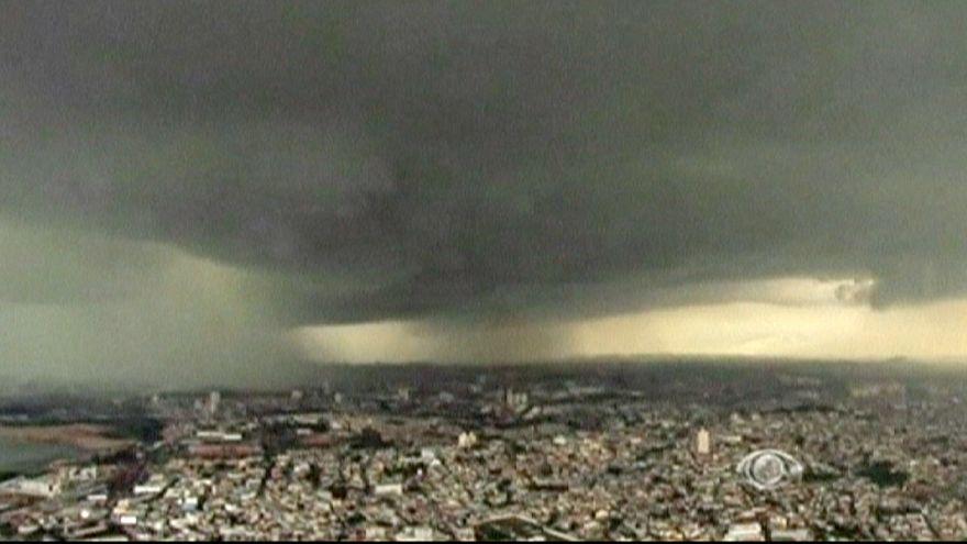 Sao Paulo'da kara bulutlar