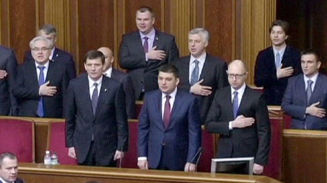 El Parlamento ucraniano confirma a Yatsenuik como primer minsitro en su sesión inaugural