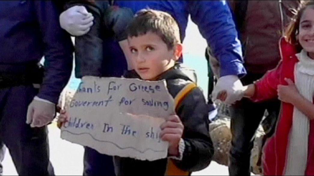 Cargueiro com 700 migrantes chegou à ilha de Creta