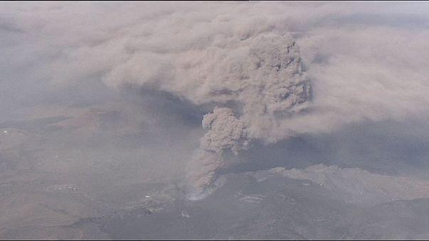 Cancelaciones de vuelos en Japón por la erupción del monte Aso