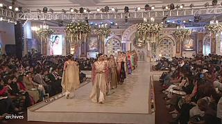 التراث والتجديد في أسبوع الموضة بباكستان