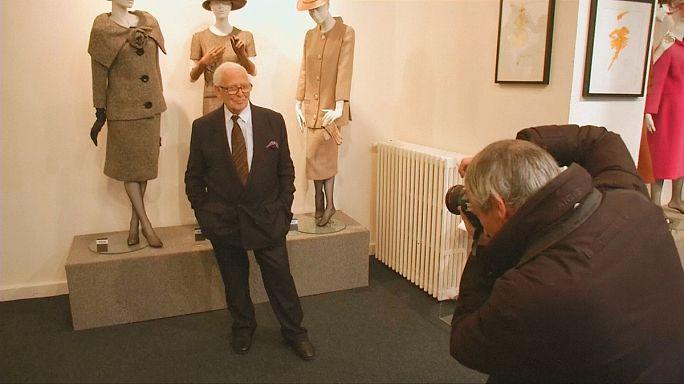 França honra a lenda da moda Pierre Cardin
