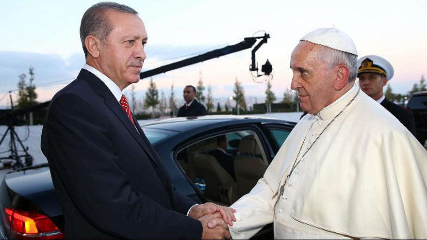 Pope Francis urges interfaith dialogue at start of Turkey visit