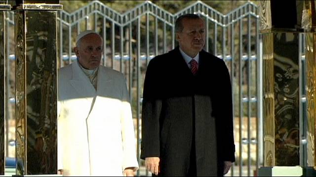 Pope Francis urges religious tolerance to counter extremism on Turkey trip