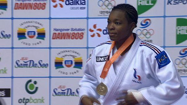 """Grande Prémio de Jeju: Judocas da casa """"limpam"""" medalhas"""