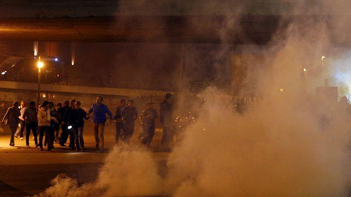 Utcai harc Kairóban Mubarak felmentése után