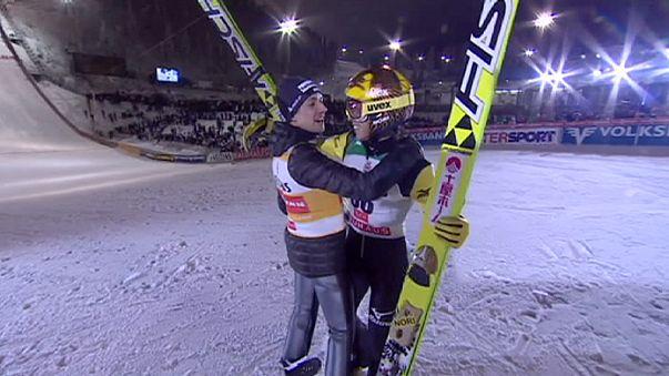Skispringen: Ammann und Kasai siegen gemeinsam in Ruka - Freund Dritter