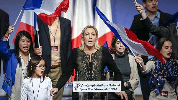"""مؤتمر حزب """"الجبهة الوطنية"""" الفرنسي اليميني المتطرف يُكرِّس مارين لوبين رئيسةً له"""