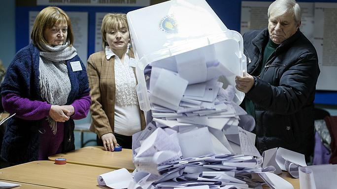 Moldova pro-EU parties take narrow lead in elections