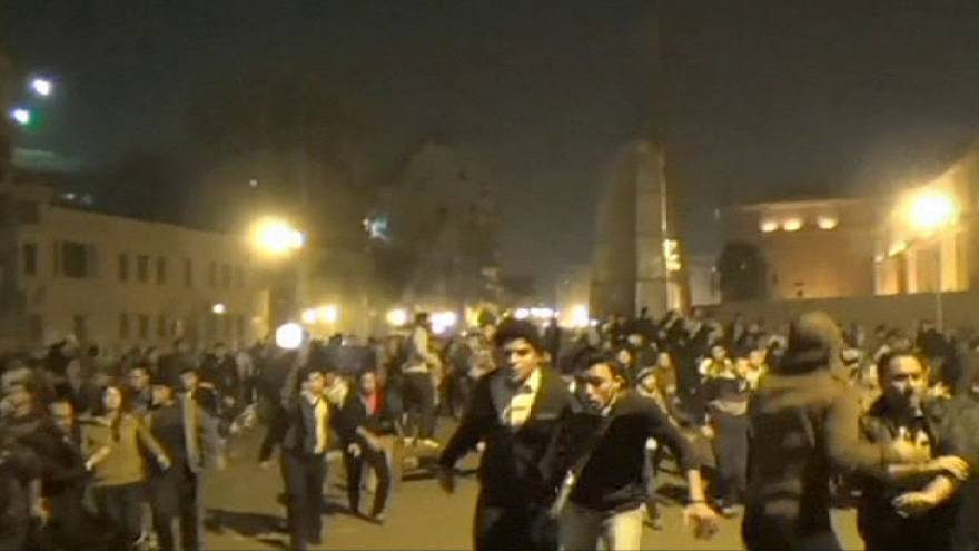 Egypt: police use water cannon against anti-Mubarak verdict protesters