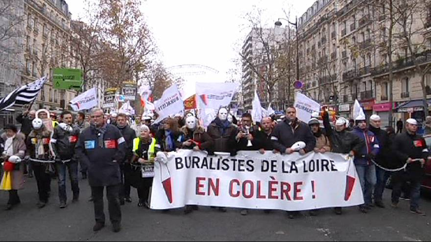 French employers in red tape protest