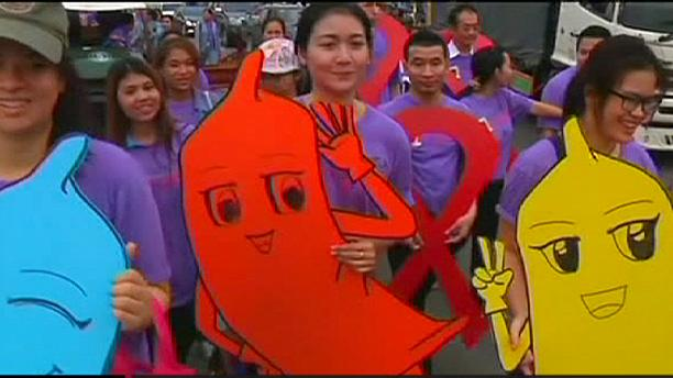Thaïlande : défilé en faveur d'une sexualité protégée et anti-sida à Pattaya