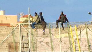 Imigração: 600 clandestinos tentaram forçar entrada em Melilha