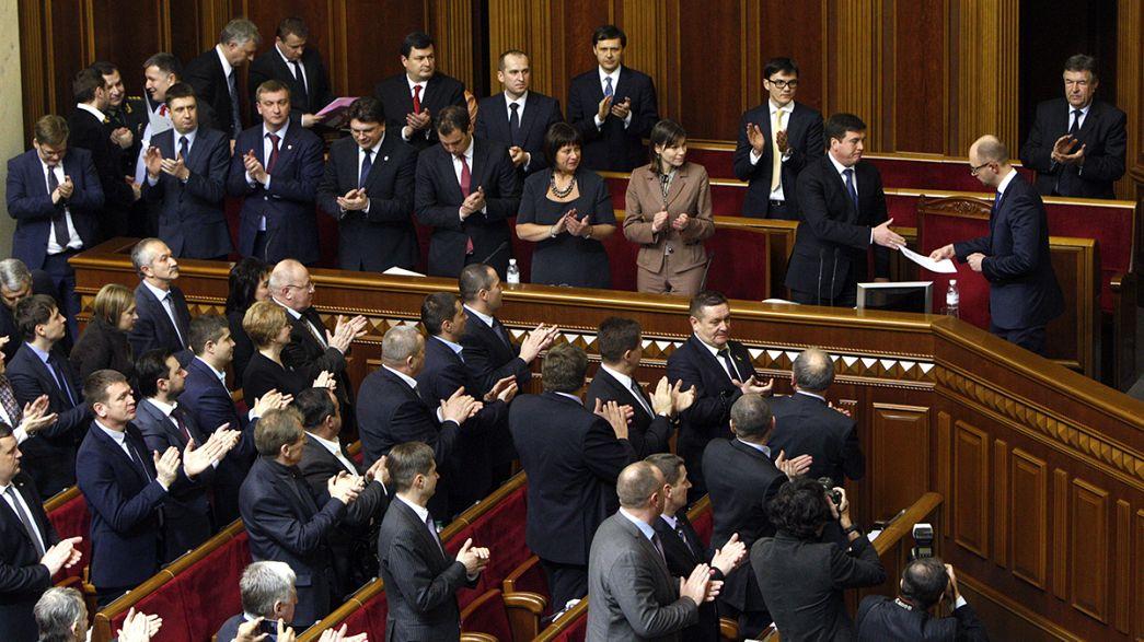 البرلمان الأوكراني يوافق على الحكومة الجديدة، وتعيين وزراء أجانب في المالية والاقتصاد والصحة