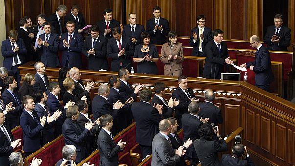 Ukrayna parlamentosu yeni kabineyi onayladı