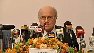 Arbeitsbedingungen auf WM-Baustellen: Blatter lehnt FIFA-Verantwortung ab