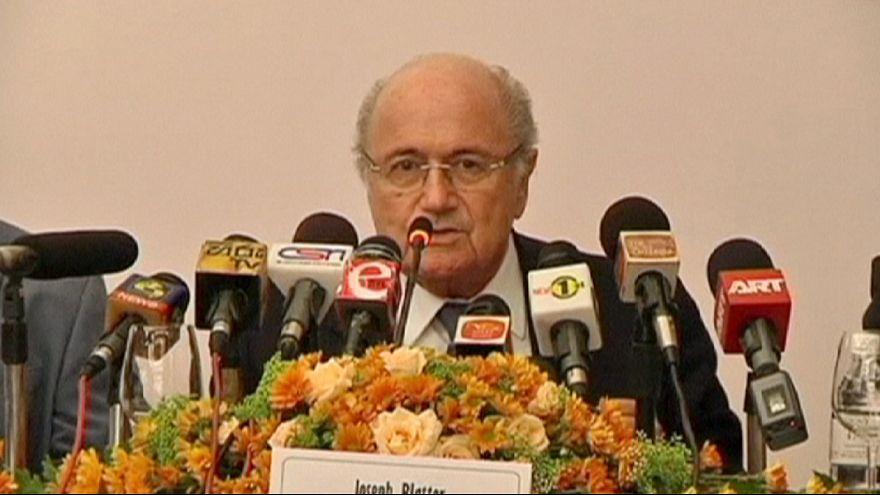 """Блаттер:""""ФИФА не несет ответственность за гастербайтеров в Катаре"""""""