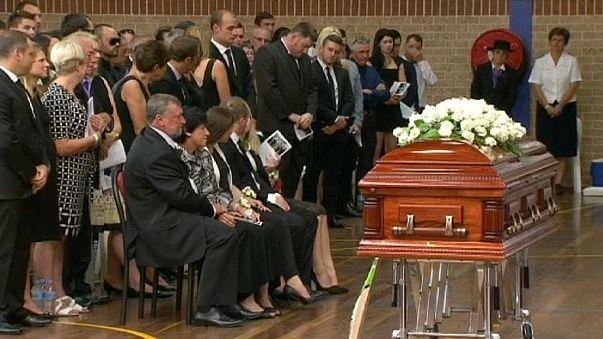 Aυστραλία: Θρήνος στην κηδεία του Φίλιπ Χιουζ