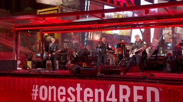 Bruce Springsteen e Chris Martin con gli U2 contro l'AIDS