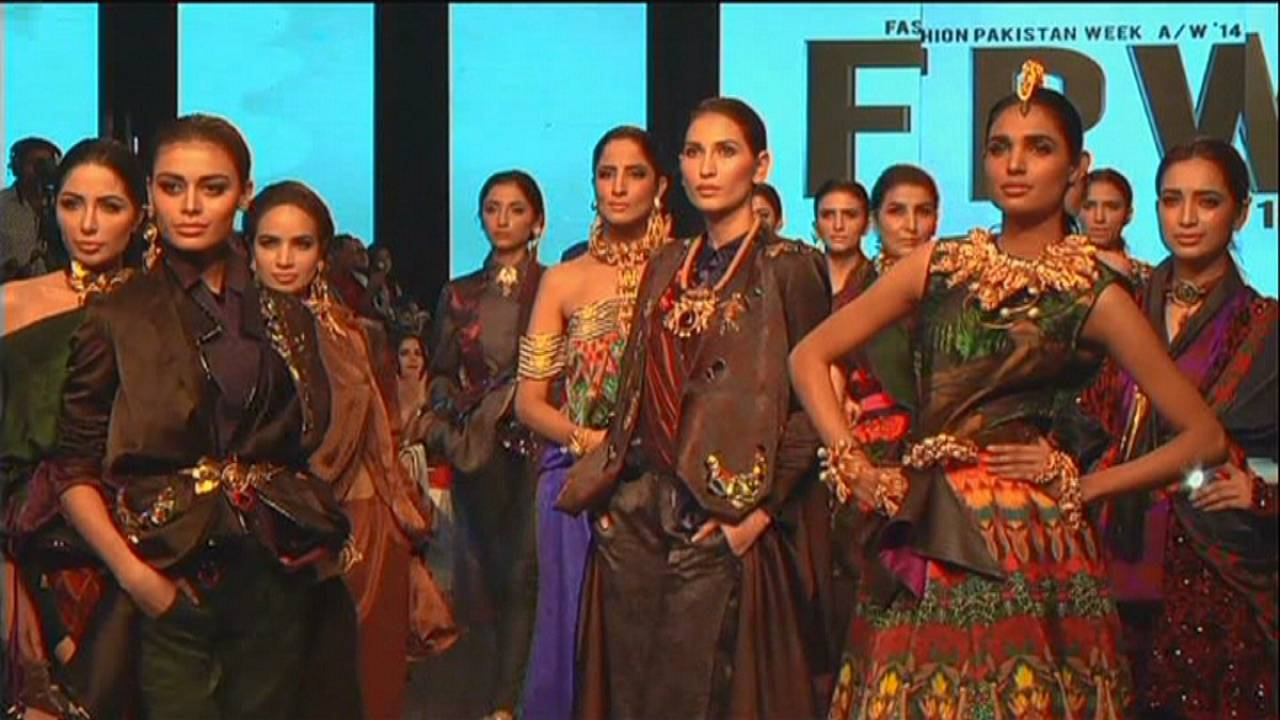 Pakistan Fashion Week wraps up with fireworks of colour and texture