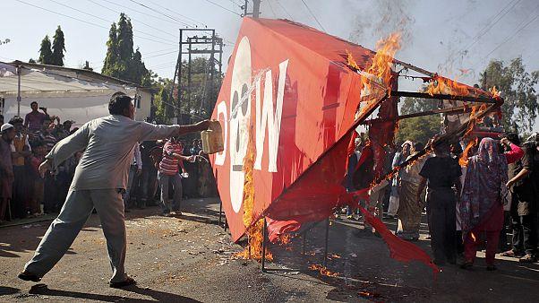 تظاهرات بازماندگان فاجعه بوپال هنر در سیمین سالگرد وقوع آن