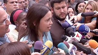 Venezuela : l'opposante Machado crie à la mascarade après son inculpation