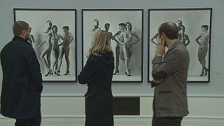 معرض للمصور الفوتوغرافي هيلموت نيوتن في برلين