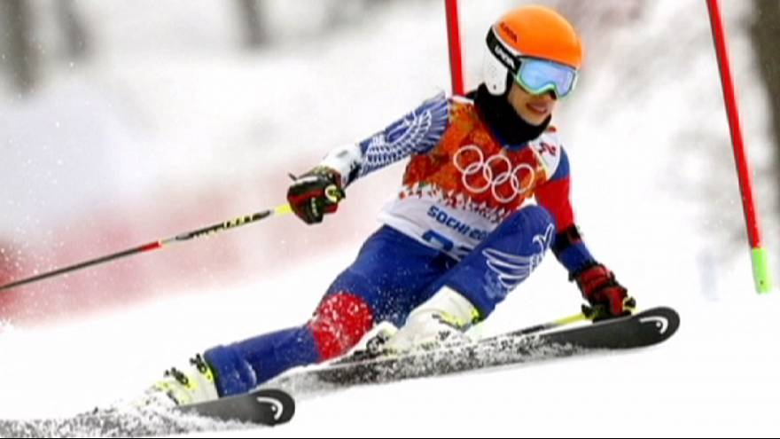 Violinist Mae appeals four-year ski ban