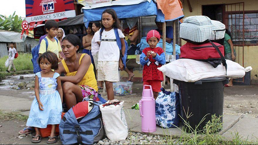 الفلبينيون يتهيأون لمواجهة قدوم إعصار هاجوبيت المدمر السبت المقبل