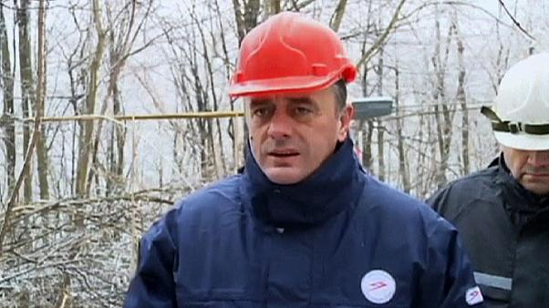 Safety helmet saves Serbian minister from falling ice