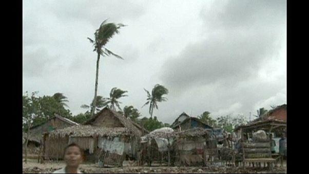"""Филиппины: """"Хагупит"""" разбушевался"""