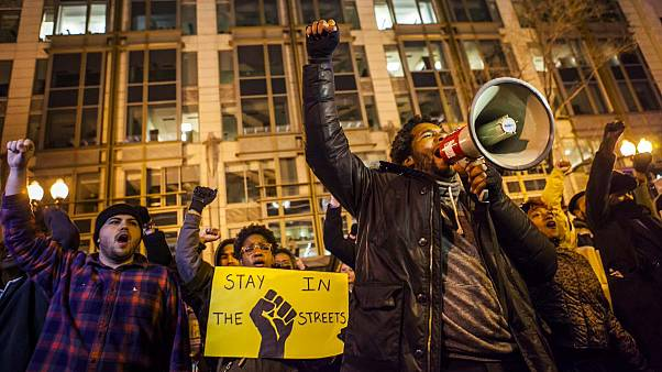 US grand jury to decide whether to prosecute police officer over fatal shooting of Akai Gurley