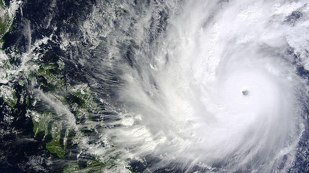 Massima allerta nelle Filippine. Arriva il tifone Hagupit