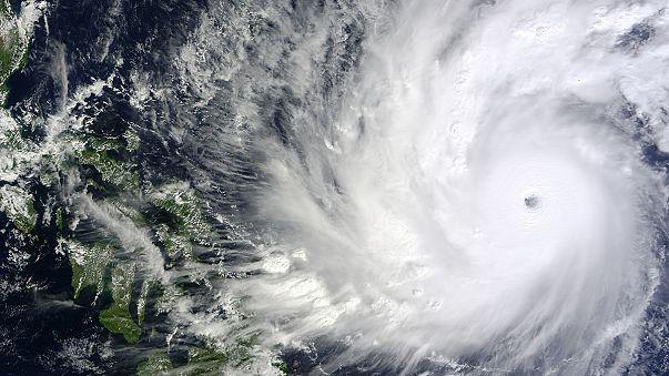 Filipinler'de tayfun alarmı