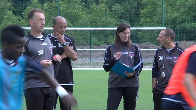 Corinne Diacre, l'entraîneur de Clermont Foot agacée qu'on lui rappelle qu'elle est une femme