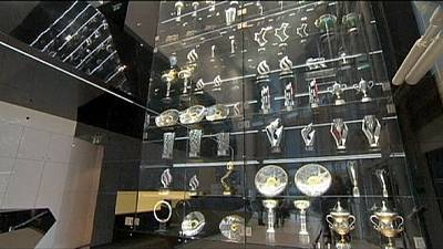 Red Bull, rubati 60 trofei