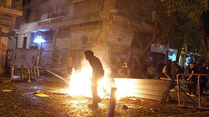 Греция: беспорядки в поддержку голодающего анархиста