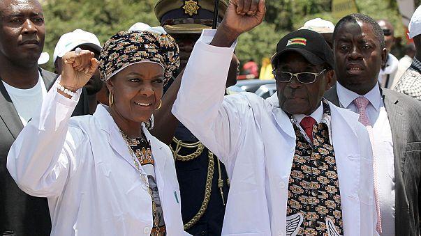 Zimbabve Devlet Başkanı Mugabe karısını parti yönetimine atadı