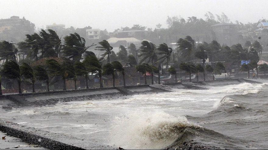 Hagupit tayfunu Filipinler'de 650 bin kişiyi evinden etti