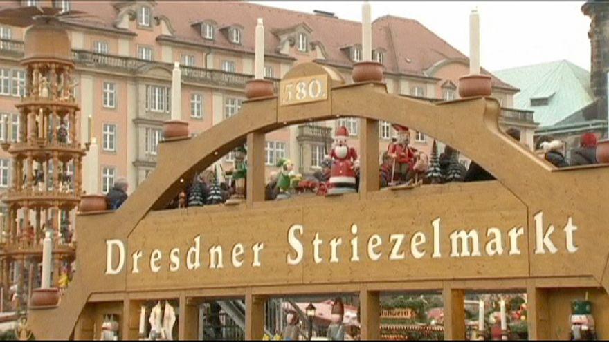 Dresden: Giant Christmas cake