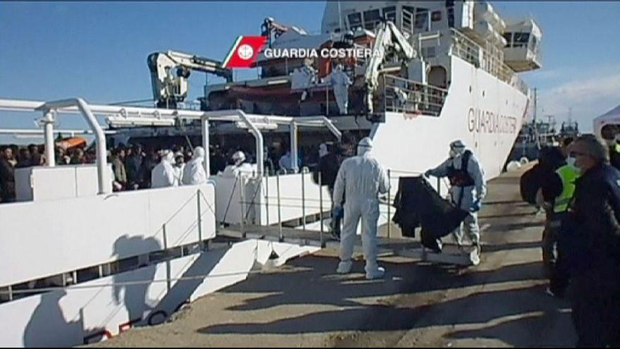 Italienische Küstenwache rettet rund 600 Bootsflüchtlinge