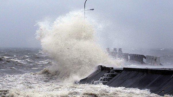 Aumenta a 21 el número de fallecidos por el tifón Hagupit en Filipinas